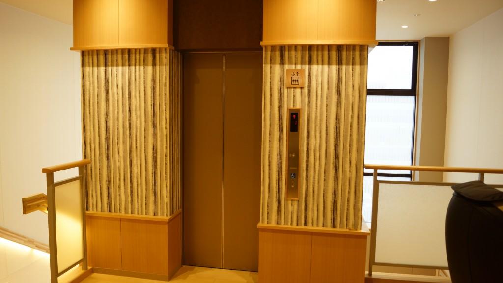 湯舞音 エレベーター